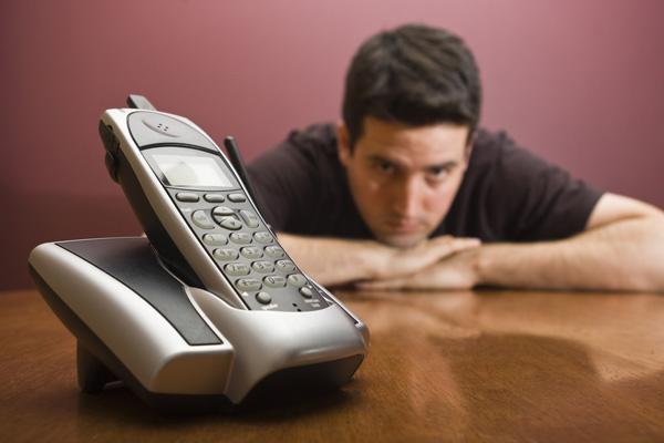 Почему мужчина не звонит после ссоры. Что делать, если парень не звонит и не пишет после ссоры?