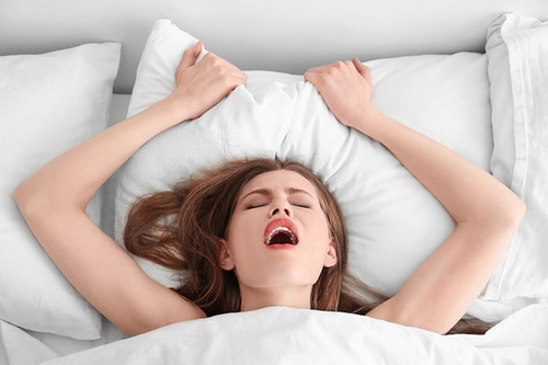 Порно онлайн очень сильный женский оргазм при половом акте с мужчиной